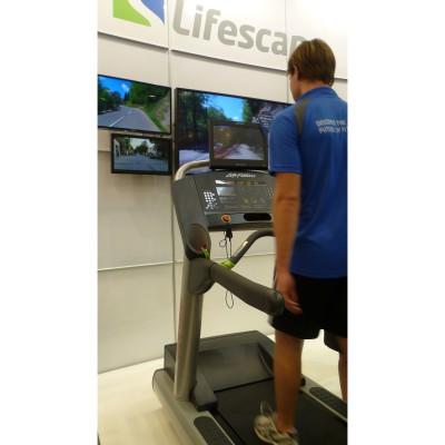 FIBO 2012: Life Fitness prsentierte das innovative Touchscreen Lifescape