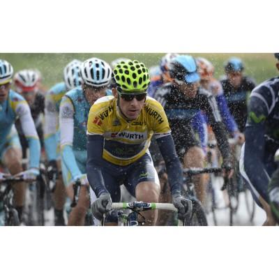 Radrennfahrer Rui Costa mit der evil eye halfrim pro ink/lime 2012