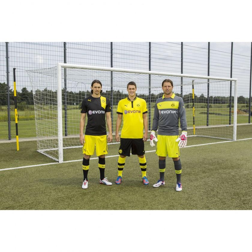 Neven Subotic, Sebastian Kehl und Roman Weidenfeller in den neuen PUMA Outfits von Borussia Dortmund für die Saison 2012/13