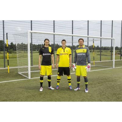 Neven Subotic, Sebastian Kehl und Roman Weidenfeller in den neuen PUMA Outfits von Borussia Dortmund fr die Saison 2012/13