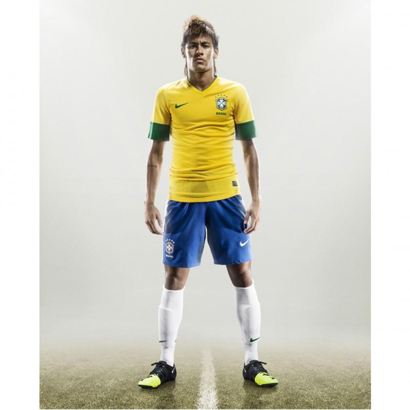 Neymar im Nike GS Greenspeed Fu�ballschuh 2012