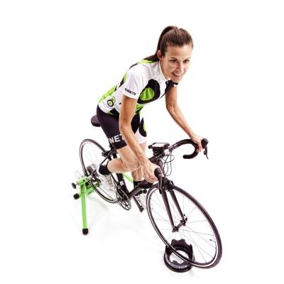 Bike-Action auf dem Kinetic Fluid Trainer Road Machine und mit dem Kinetic inRide System 2012