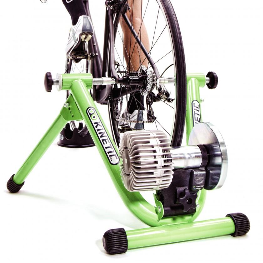 Kinetic Fluid Trainer Road Machine und Kinetic inRide Sensor Pod 2012