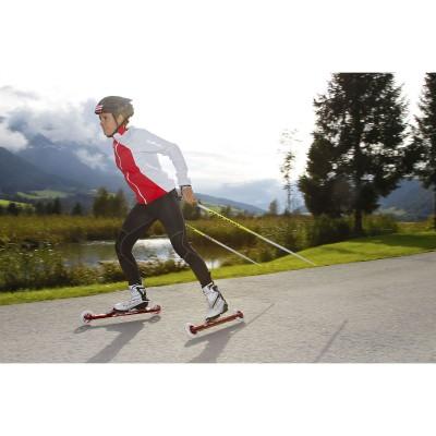 Evi Sachenbacher-Stehle trainiert mit dem X-Trail Rollski Frame 2012
