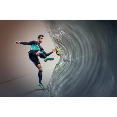 Cristiano Ronaldo im Mercurial Vapor VIII mit ACC Technologie 2012