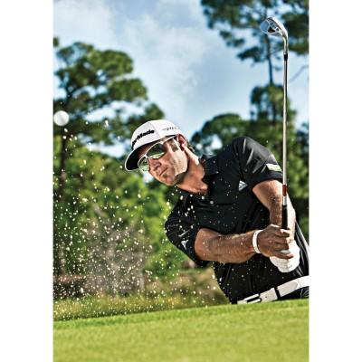 Dustin Johnson mit seiner tourpro Golfbrille beim Abschlag 2012
