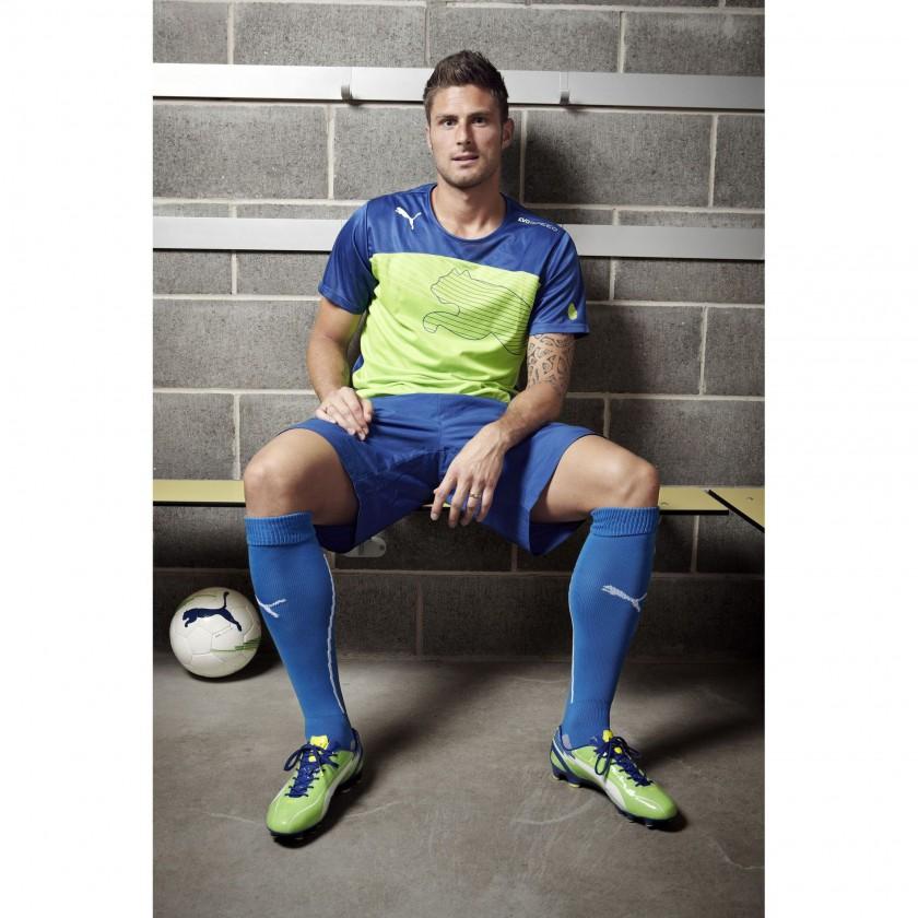 Olivier Giroud im evoSPEED 1 FG Fußballschuh green/blue 2012