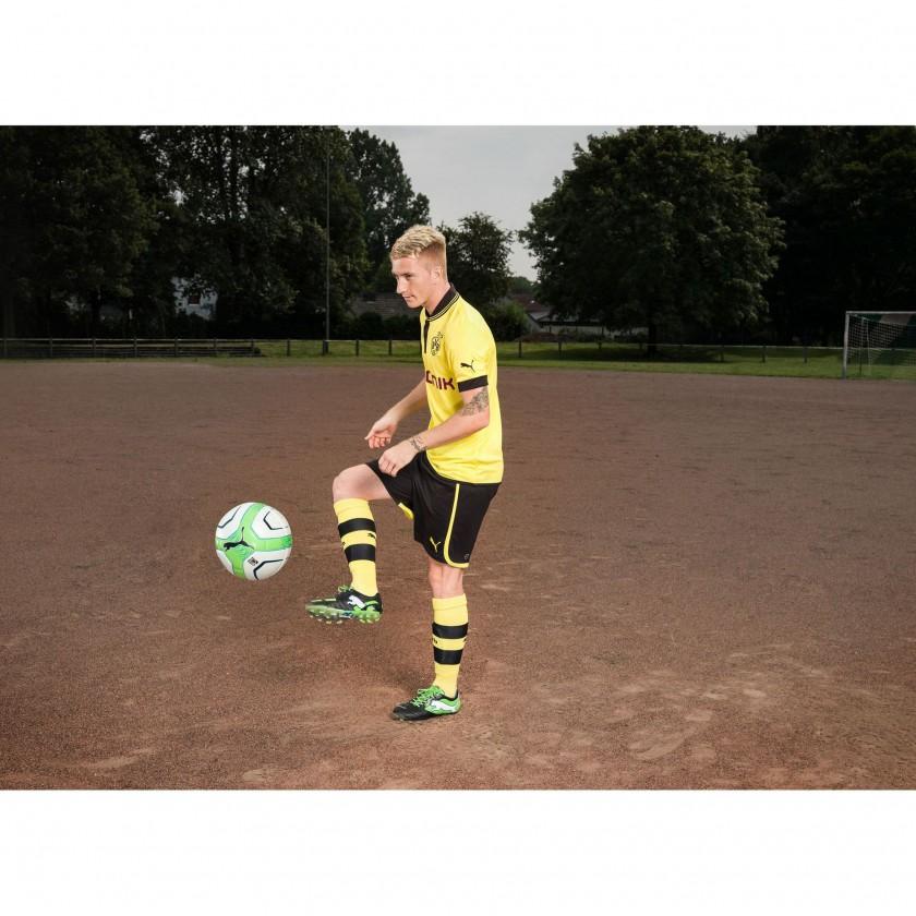 Marco Reus im PowerCat 1 FG Fußballschuh black/green 2012