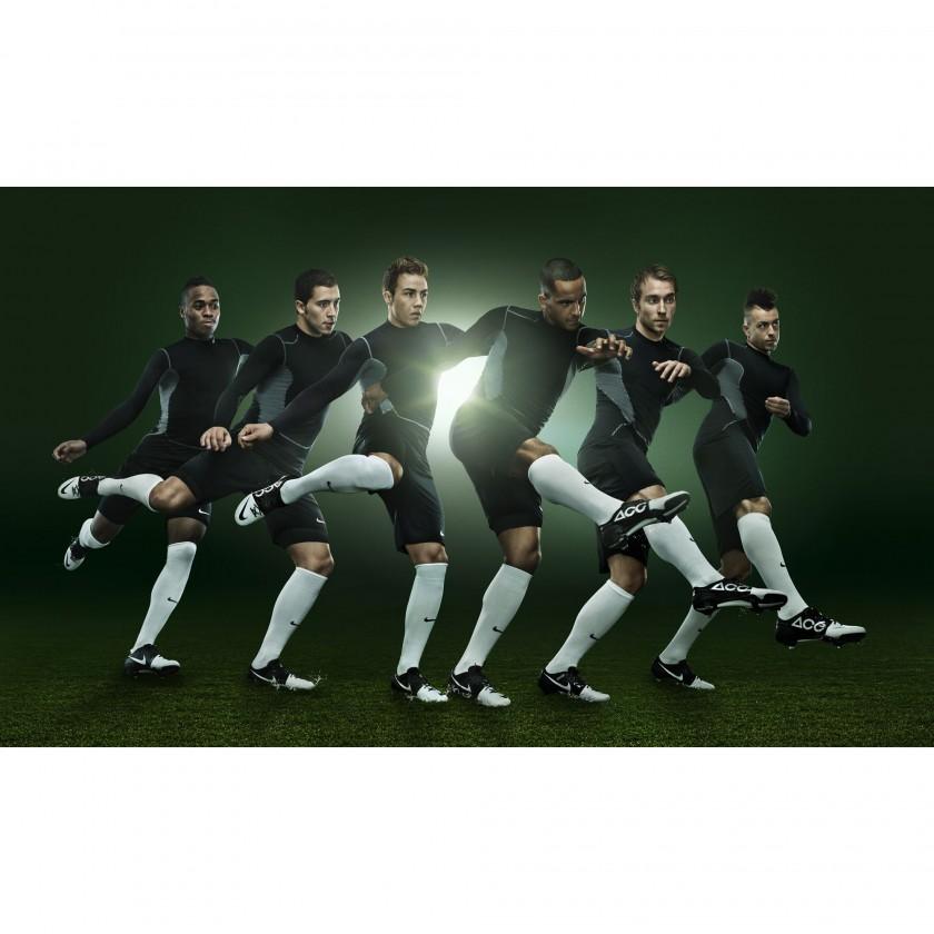 Raheem Sterling, Eden Hazard, Mario Gtze, Theo Walcott, Christian Eriksen und El Shaarawy im Nike GS2 Fuballschuh mit ACC Technologie 2012