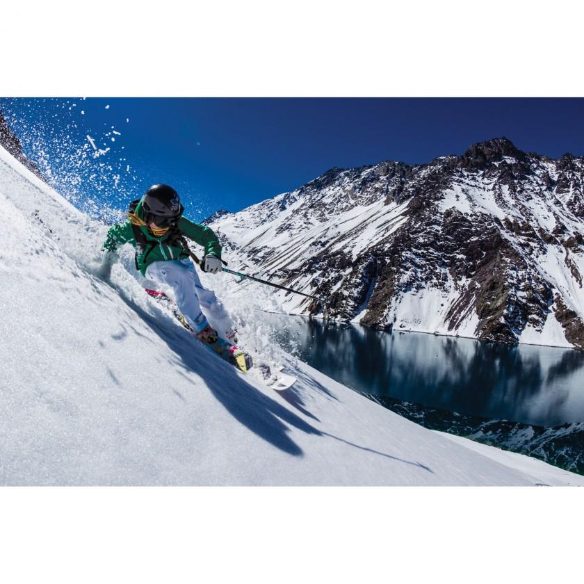 Ski Action in der Mountain Hardwear Kollektion 2013/14