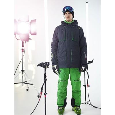 Reine Barkered im RB Jacket und Morpheus Pant mit Polartec Technologien aus der Freeride Kollektion von 8848 Altitude 2013/14