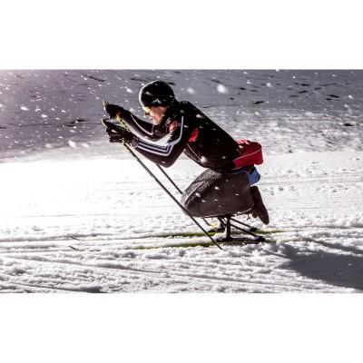 Der Profisportler und Rollstuhlfahrer Martin Fleig trainiert auf einem Skischlitten 2013