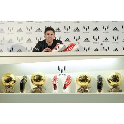 adidas play the Messi way-Kollektion: Lionel Messi - Weltfuballer der Jahre 2009, 2010, 2011, 2012