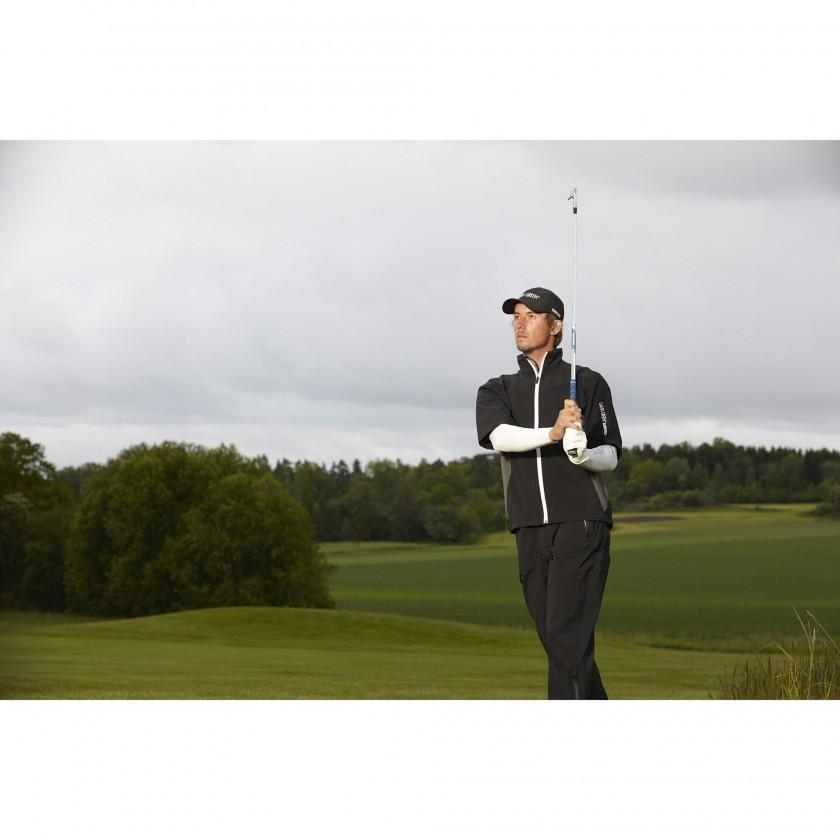 Ames GORE-TEX Regenjacke kurzrmlig und Enzo Compression Baselayer Golf-Action 2013 von Galvin Green