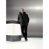 Fussballtrainers Jos Mourinho in der neuen Porsche Design Sport Kollektion 2013/14