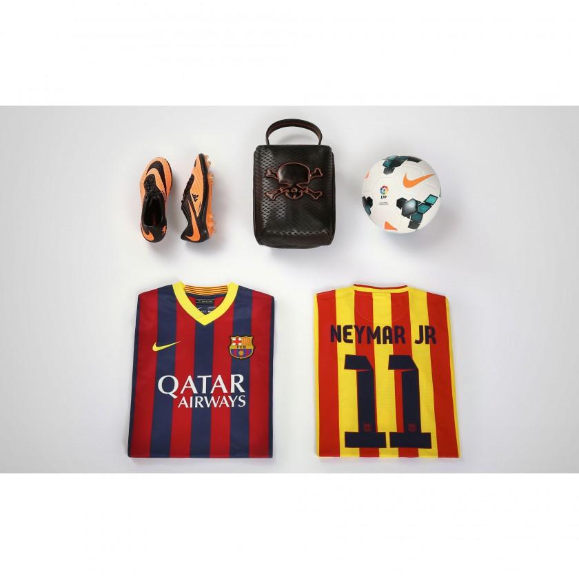Neymar jr. Kollektion: Barcelon Shirts Heim und Auswärts sowie seine Hypervenom Fussballschuhe 2013 von Nike