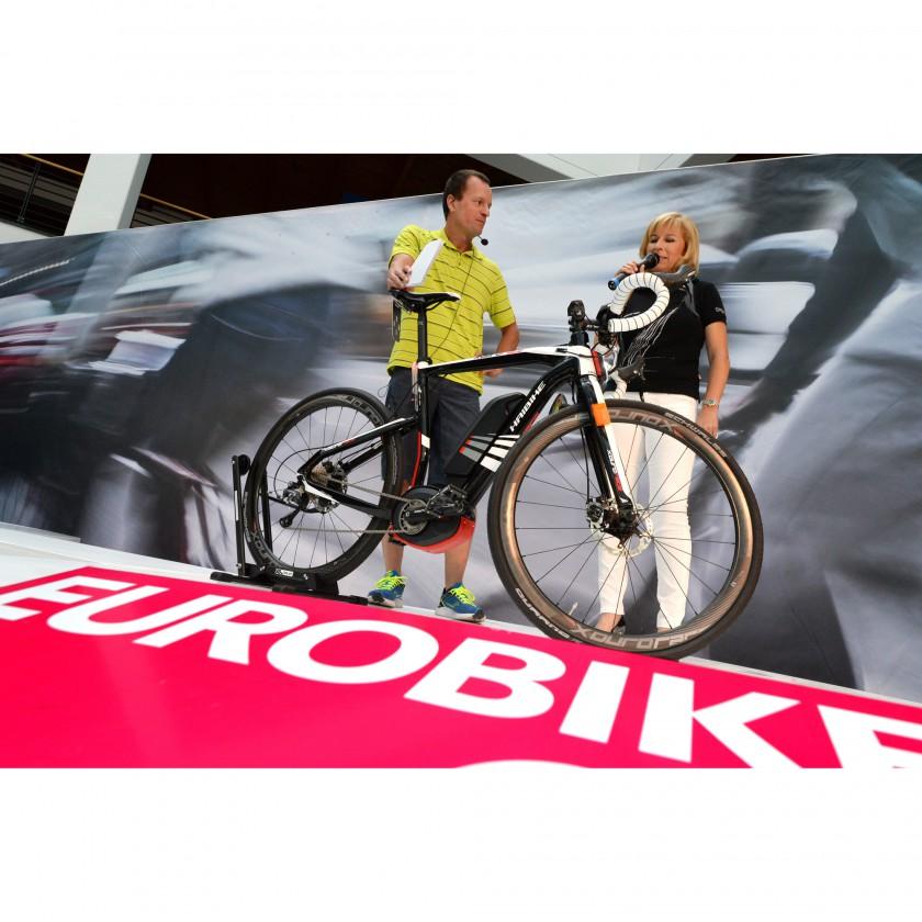 Weltpremiere auf der Eurobike 2013: Rennrad mit eMotorantrieb von Haibike - XDURO RACE
