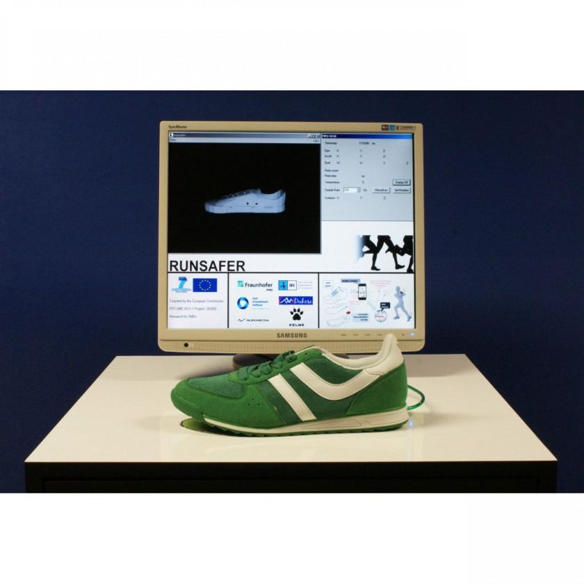 Fraunhofer IPMS 2013: Hightech-Laufschuh soll künftig die Lauftechnik in Echtzeit bewerten und Verletzungen entgegenwirken