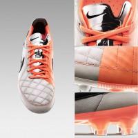 Tiempo Legend V Fuballschuh front u. Detailansichten 2013 von Nike
