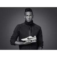 Jerome Boateng mit seinem neuen Tiempo Legend V Fuballschuh 2013 von Nike