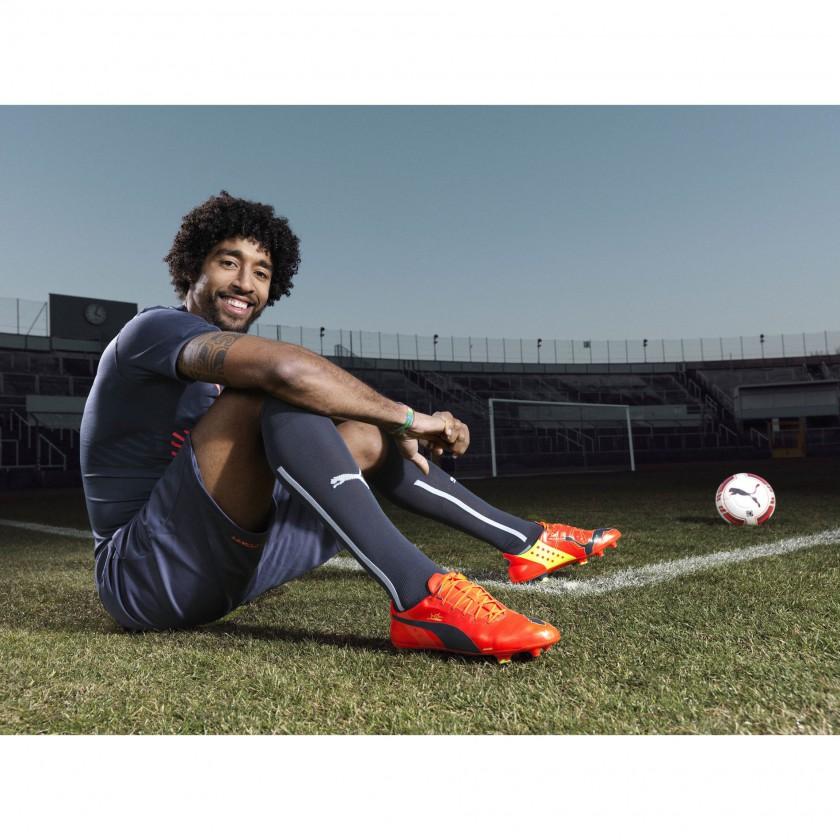 Dante vom FC Bayern München im neuen evoPOWER Fußballschuh 2014 von PUMA