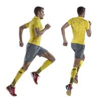 Jan Frodeno im Inner Muscle Half Zip Top u. Calf Sleeves der MUSCLE SUPPORT-Kollektion 2014 von ASICS