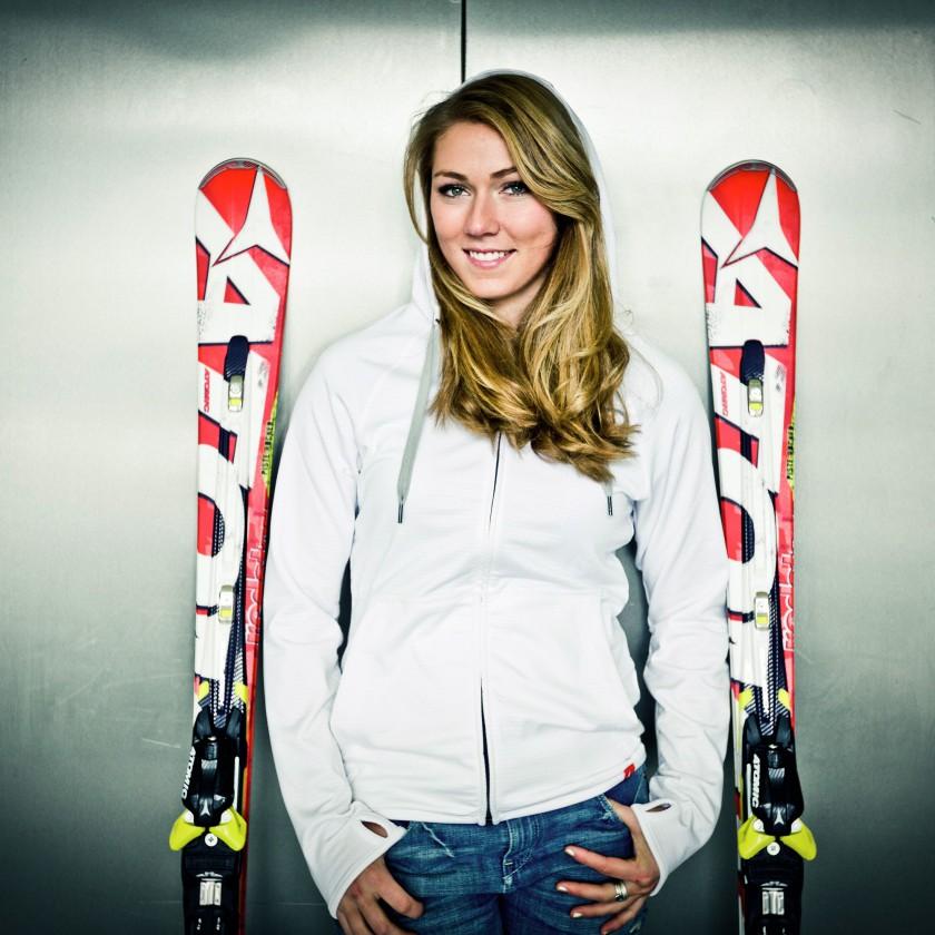 Mikaela Shiffrin gewann mit Ski und Skischuhen von ATOMIC die Goldmedaille bei der Winterolympiade 2014 in Sotschi