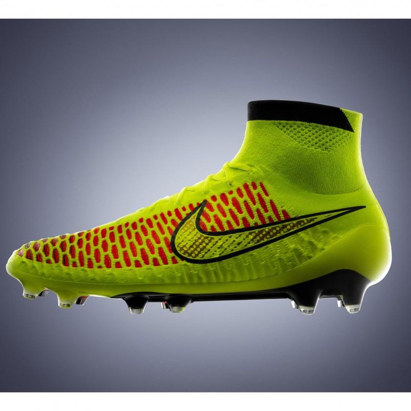 Magista Fußballschuh seite 2014 von Nike