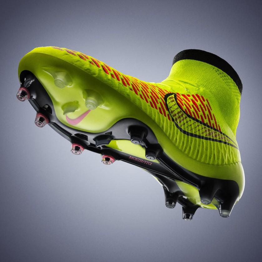 Magista Fuballschuh seitlich unten 2014 von Nike