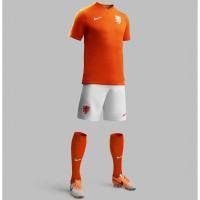 Niederlande Heim-Outfit Trikot, Hose, Socken fr die Fuball-Weltmeisterschaft 2014 in Brasilien von NIKE