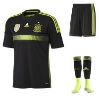 Spanien Auswrts-Outfit Trikot, Hose, Socken fr die Fuball-Weltmeisterschaft 2014 in Brasilien von adidas