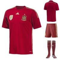 Spanien Heim-Outfit Trikot, Hose, Socken fr die Fuball-Weltmeisterschaft 2014 in Brasilien von adidas