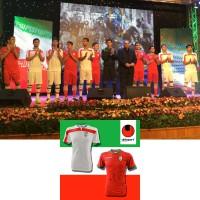 Prsentation der iranischen Heim- und Auswrts-Outfits von uhlsport fr die Fuball-Weltmeisterschaft 2014 in Brasilien