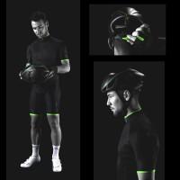 SL Pro Trikot u. S-Works Evade Fahrradhelm aus der Mark Cavendish CVNDSH Kollektion 2014 von Specialized