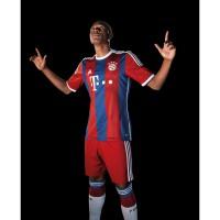 David Alaba vom FC Bayern Mnchen im neuen Heim-Trikot Fuball-Bundesliga Saison 2014/15 von adidas
