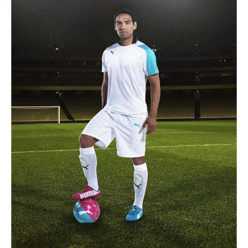 Radamel Falcao - Stürmer Kolumbien - im evoSPEED Tricks Fußballschuh 2014 von PUMA