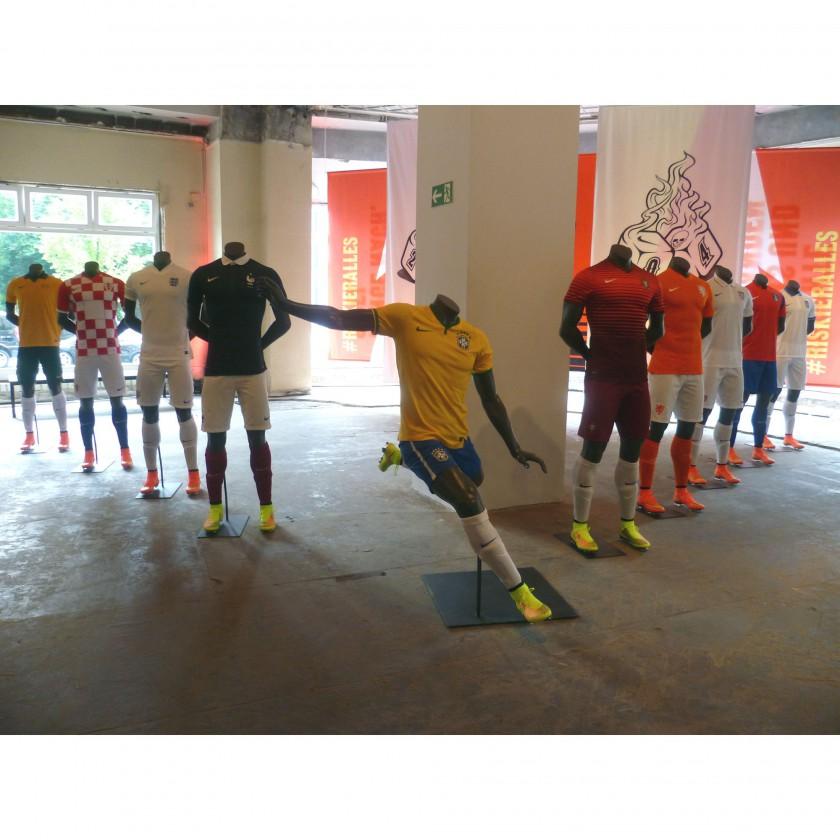 NIKE House of Phenomenal Berlin 2014: Trikots der 10 Teams der WM 2014, die von Nike ausgerstet werden