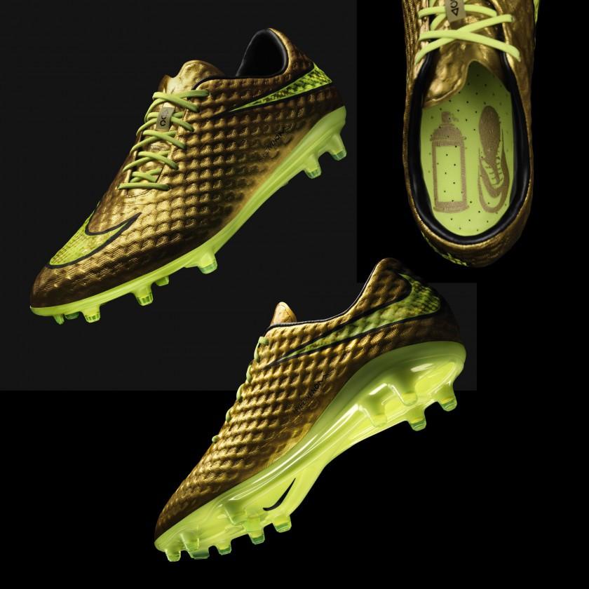 Hypervenom Phantom Fussballschuh GOLD Edition front, sole, top 2014 von Nike