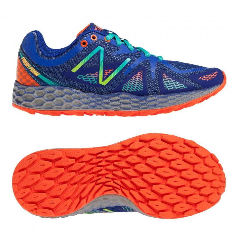 Fresh Foam WT980 Trail-Running-Schuh blue Women side, sole 2014 von New Balance
