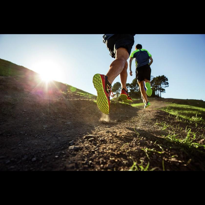 Fresh Foam MT980 Trail-Running-Schuh-Action 2014 von New Balance