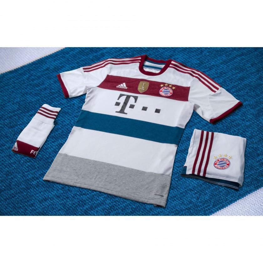 FC Bayern Mnchen Auswrtstrikot 2014/15 von adidas