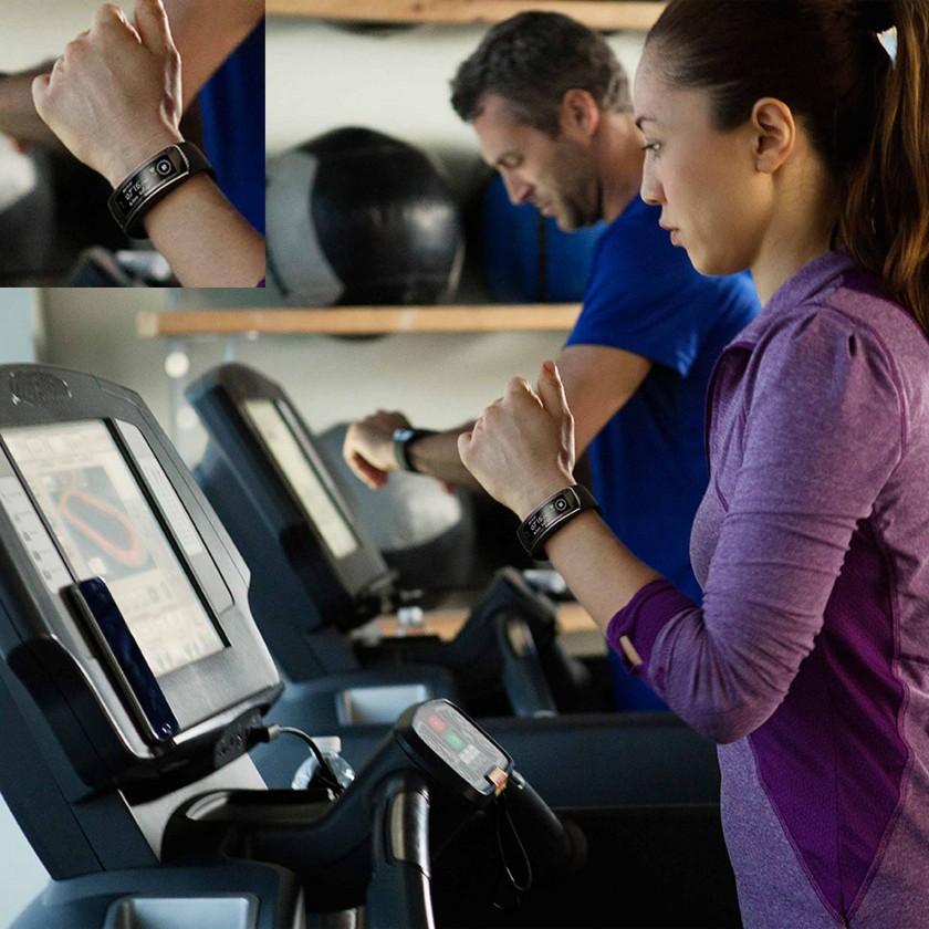 Gear Fit Aktivitätstracker Laufband-Action 2014 von Samsung