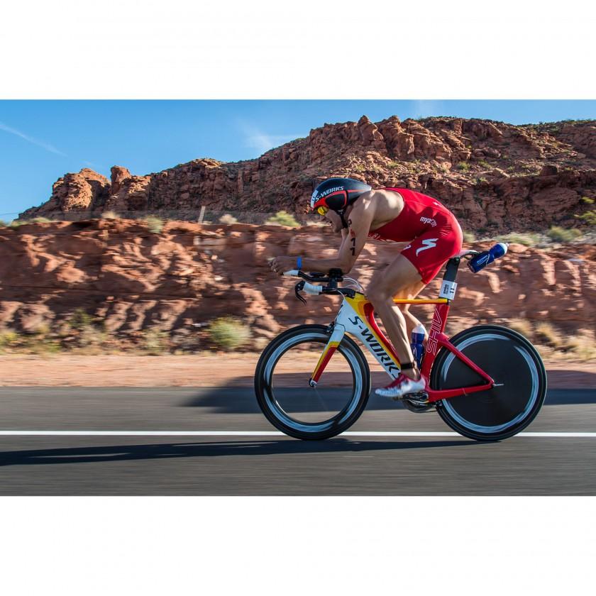 Jan Frodeno auf seinem SHIV Rennrad mit integriertem Fuelselagel-Trinksystem 2014 von Specialized