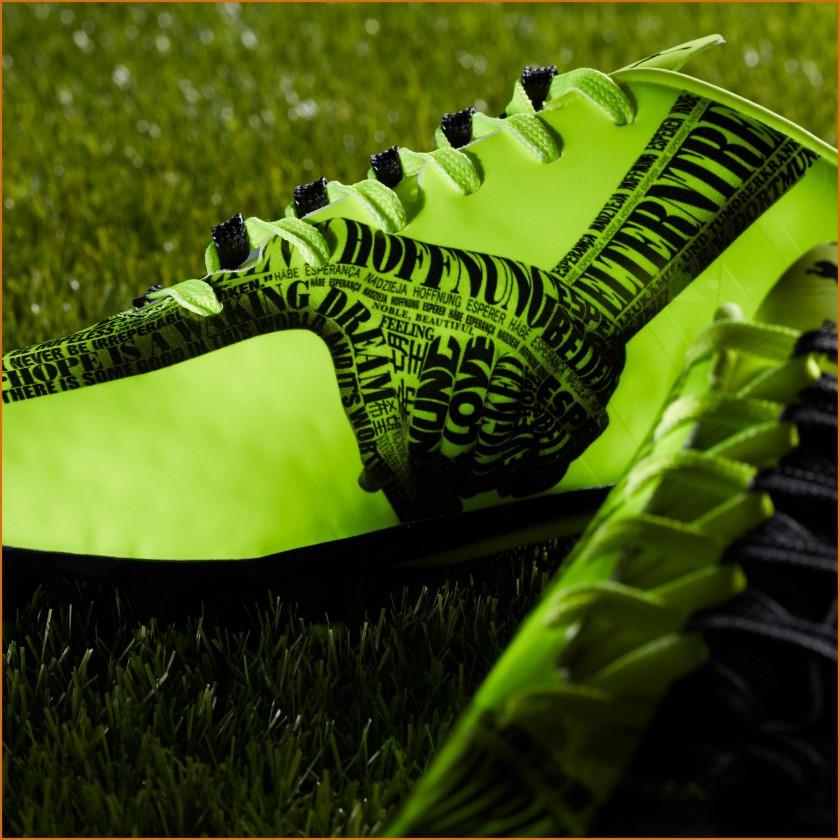 evoSPEED 1.3 MR Tricks Fußballschuh innen 2014 von PUMA