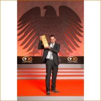 Silbaerg Grnder Jrg Kaufmann nimmt den Plus X Award Most Innovative Brand 2014 entgegen