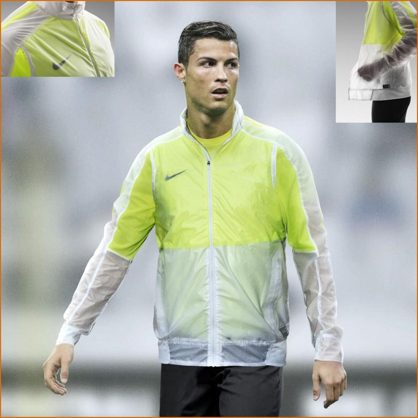Cristiano Ronaldo CR7 im Revolution Fußball-Trainingsjacket 2015 von Nike