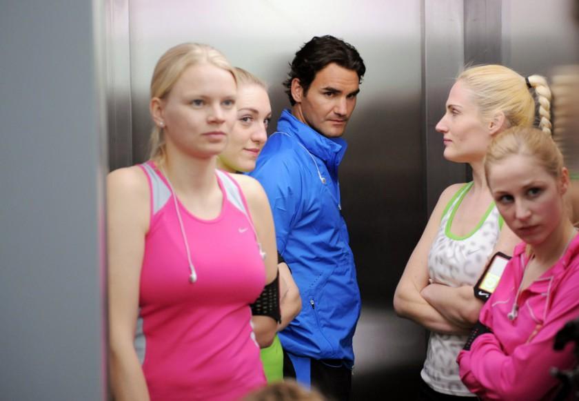 Die Nike+ Men vs Women Challenge Roger Federer
