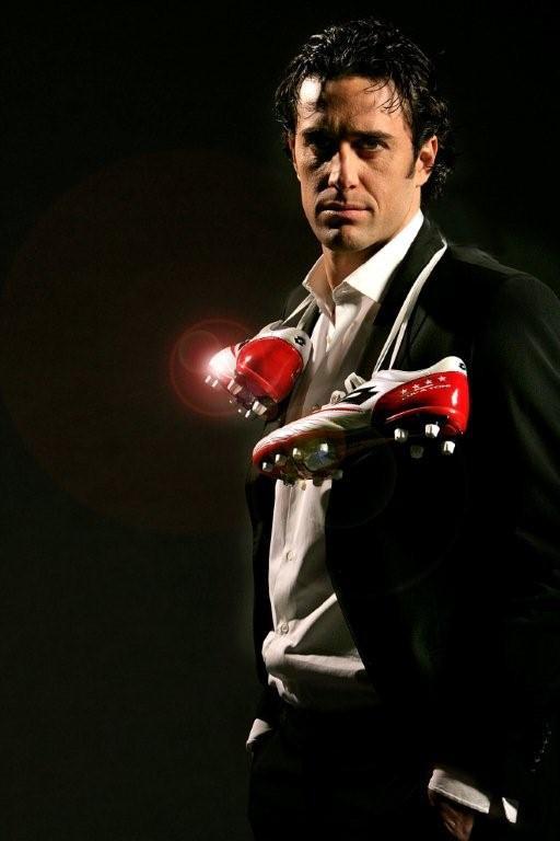 Luca Toni mit dem Zhero Evolution Due