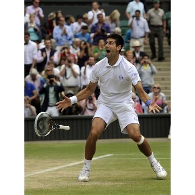 Novak Djokovic gewinnt erstmals in Wimbledon und lst Rafael Nadal als Nr. 1 der ATP Weltrangliste ab