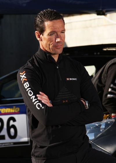 Mit X-BIONIC auf der berholspur am Hockenheimring: Manuel Reuter prsentiert in der FireShield Underwear den DTM-Auftakt